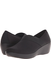 Crocs - Busy Day Stretch Asymmetrical Wedge