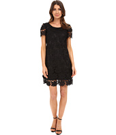 Adrianna Papell - Scalloped Lace Flounce Hem Dress