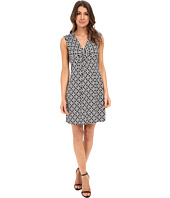 Laundry by Shelli Segal - Short Sleeve Empire Waist Dress with Front Twist