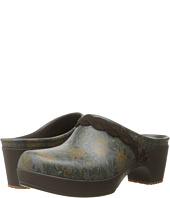 Crocs - Sarah Graphic Clog