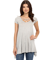 Culture Phit - Aubrianna Cap Sleeve Top with Front Twist