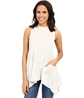 Culture Phit - Darcie Sleeveless Top with Pockets