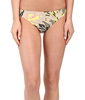 Vince Camuto - Crete Flower Classic Bottom