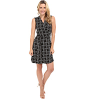 Vince Camuto - Sleeveless Echo Boxes Wrap Dress