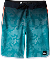 Quiksilver Kids - Shore Scallop 18 Boardshorts (Big Kids)