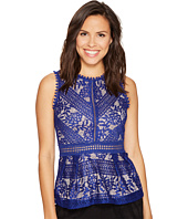 ROMEO & JULIET COUTURE - Lace Peplum Knit Top