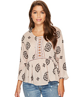 ROMEO & JULIET COUTURE - Front Lace Detail All Over Print Top